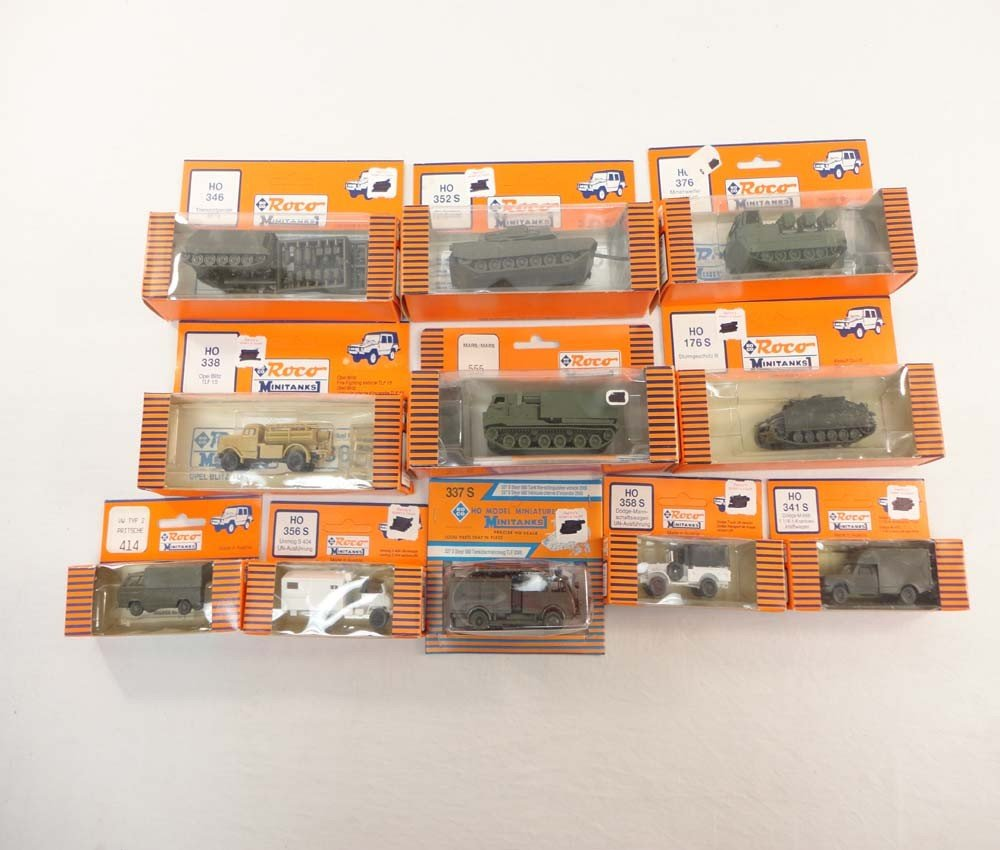 24: ABT: Roco HO Scale: 11 Assorted Military Vehicles/O