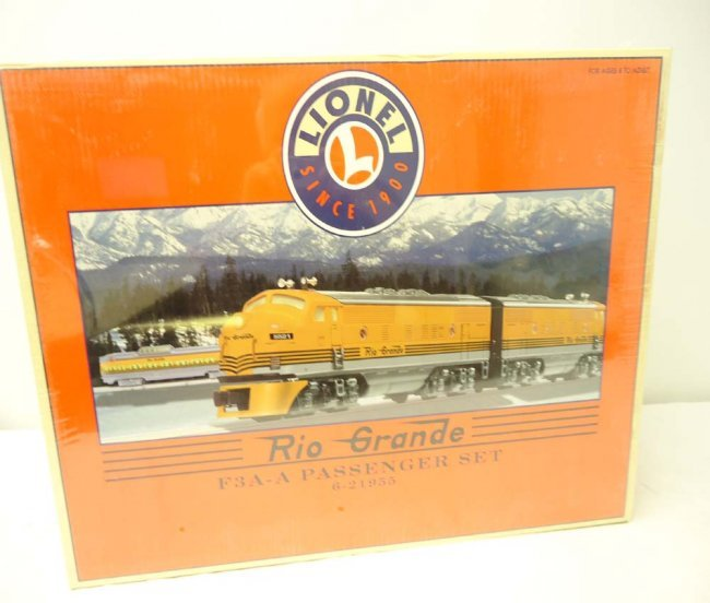 200: ABT: Mint/Sealed Lionel #21955 Rio Grand F3 AA Pas