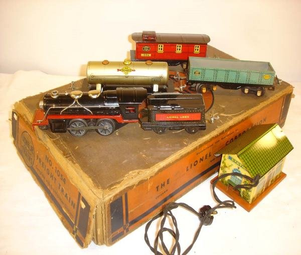 303: ABT: Nice Lionel #1054 Steam Freight Set with Stat