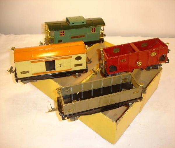 322: ABT: Nice Lionel #818 Freight Car Assortment/OB