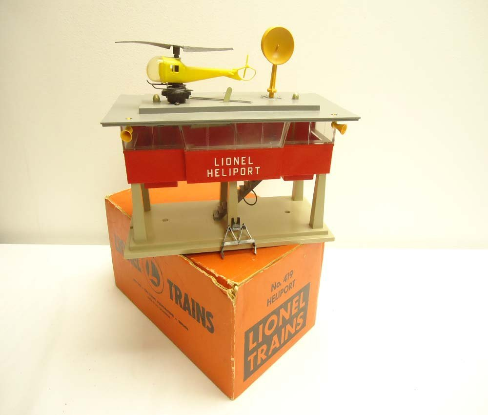 10: ABT: Great Lionel #419 Operating Heliport/OB+