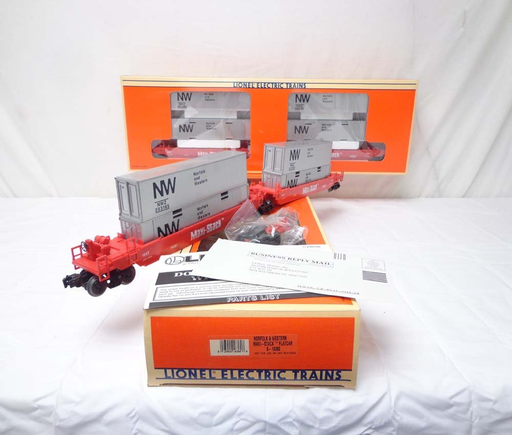 13: ABT: 2 Mint Lionel #16360 NW Maxi Stackers/OBs