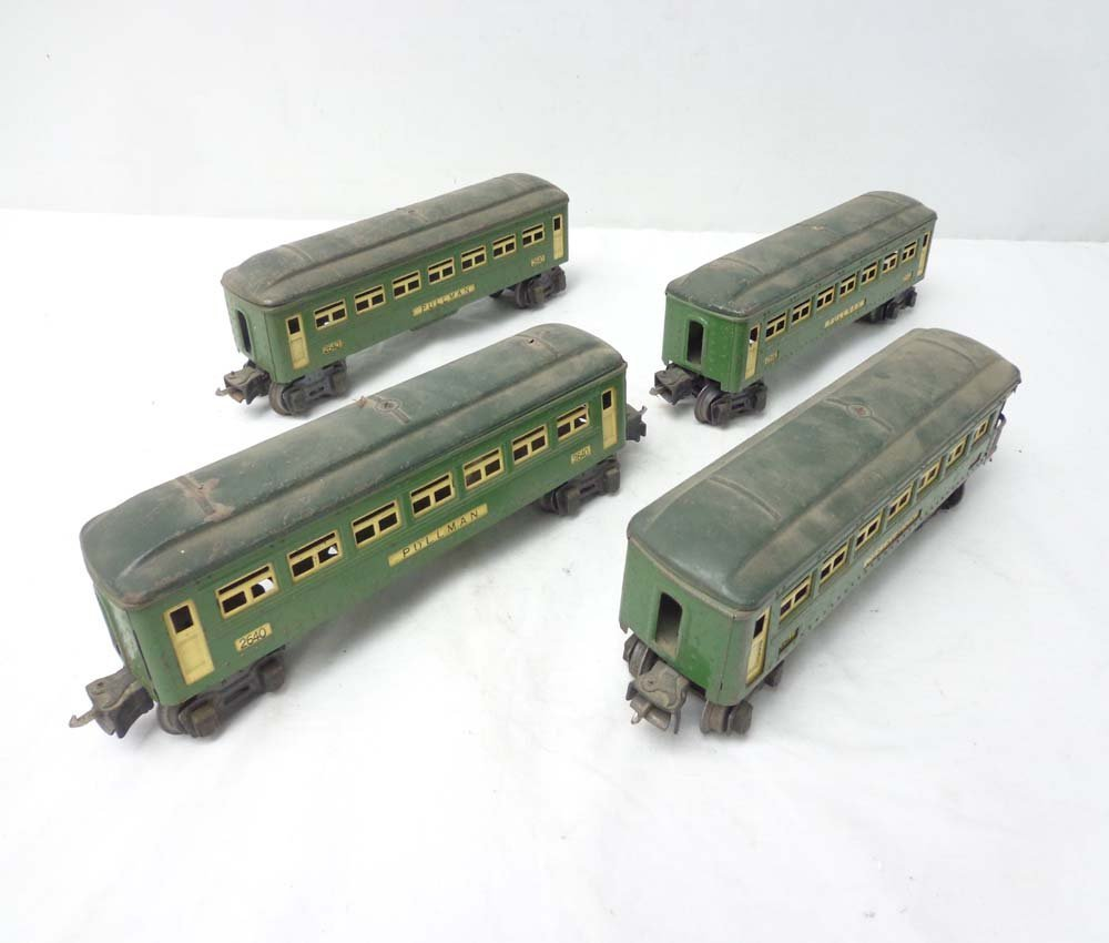 2: ABT: Lionel 3 #2640 and a #2641 Green Passenger Car