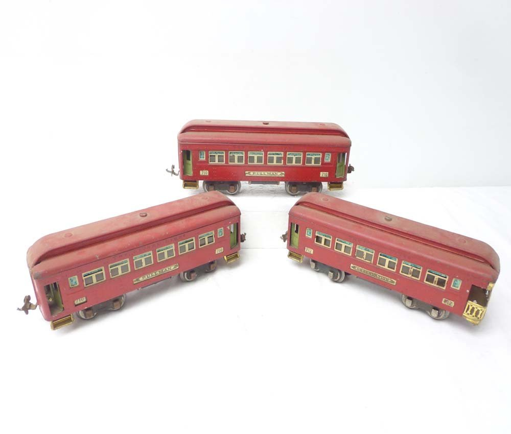 15: ABT: Lionel #710/710/712 Red Passenger Cars