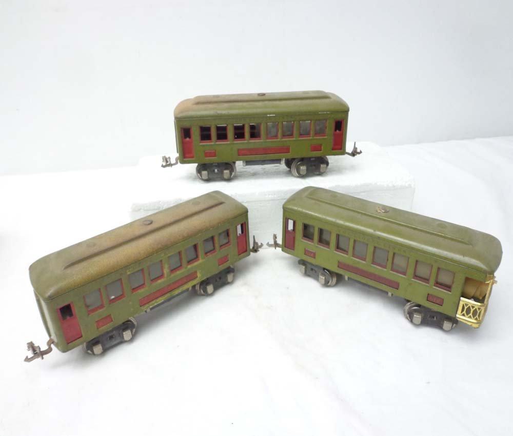 19: ABT: 3 Lionel #610 & #612 Passenger Cars