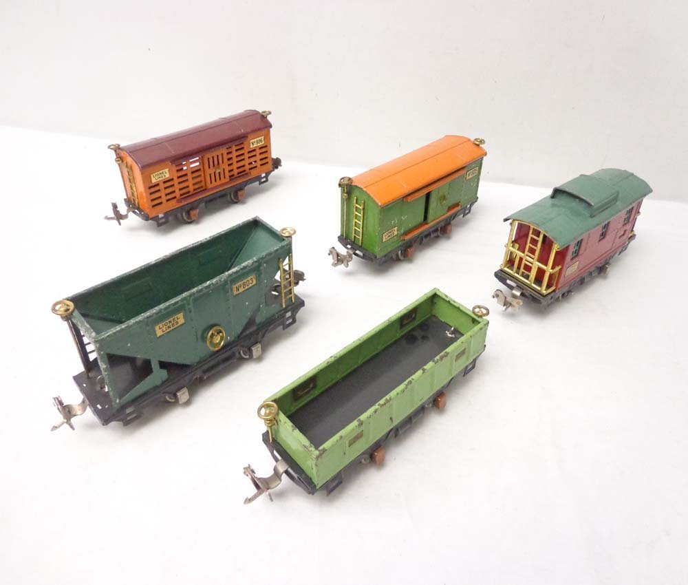 ABT: 5 Lionel Assorted Rolling Stock Items