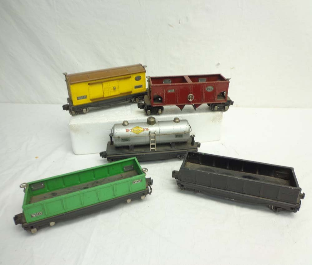 ABT: 5 Lionel Assorted 800 Series Rolling Stock Items