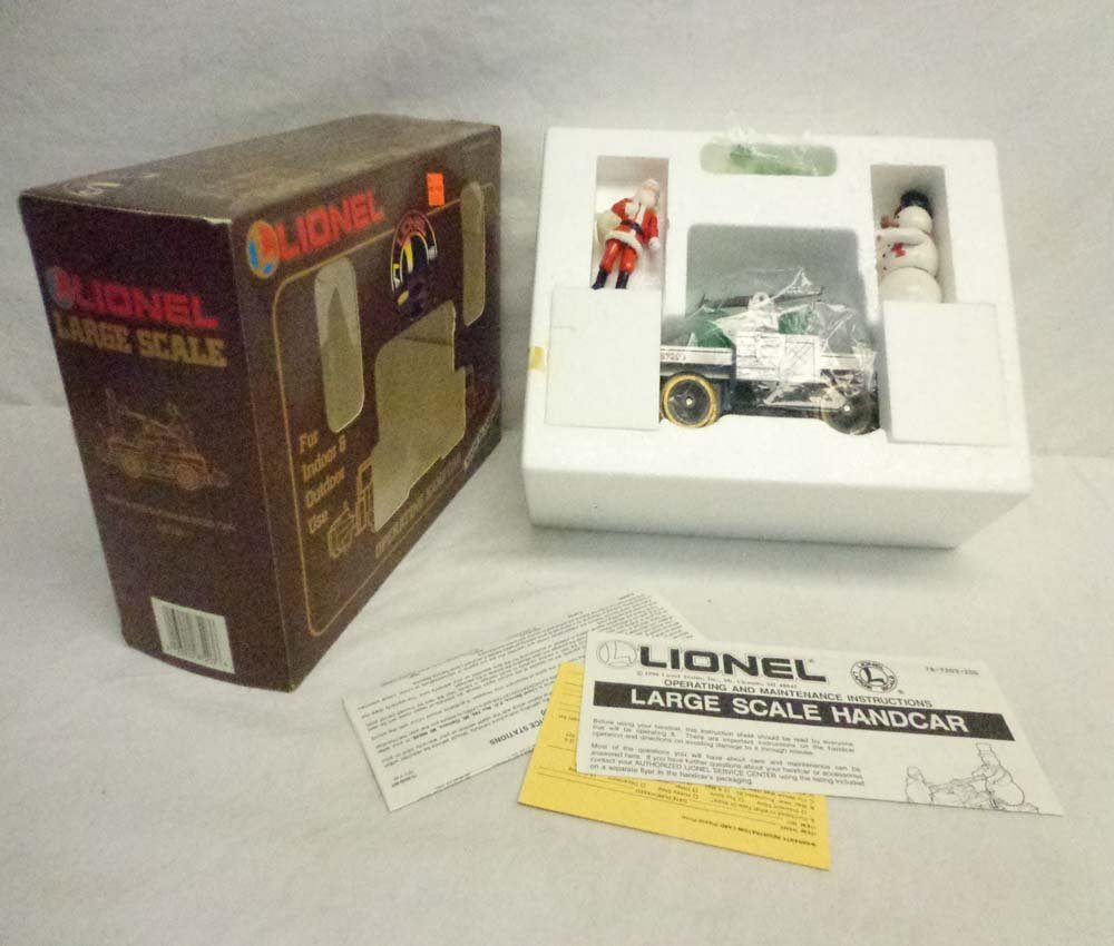 ABT: Lionel G Scale: #8-87203 Santa and Snowman Hand Ca
