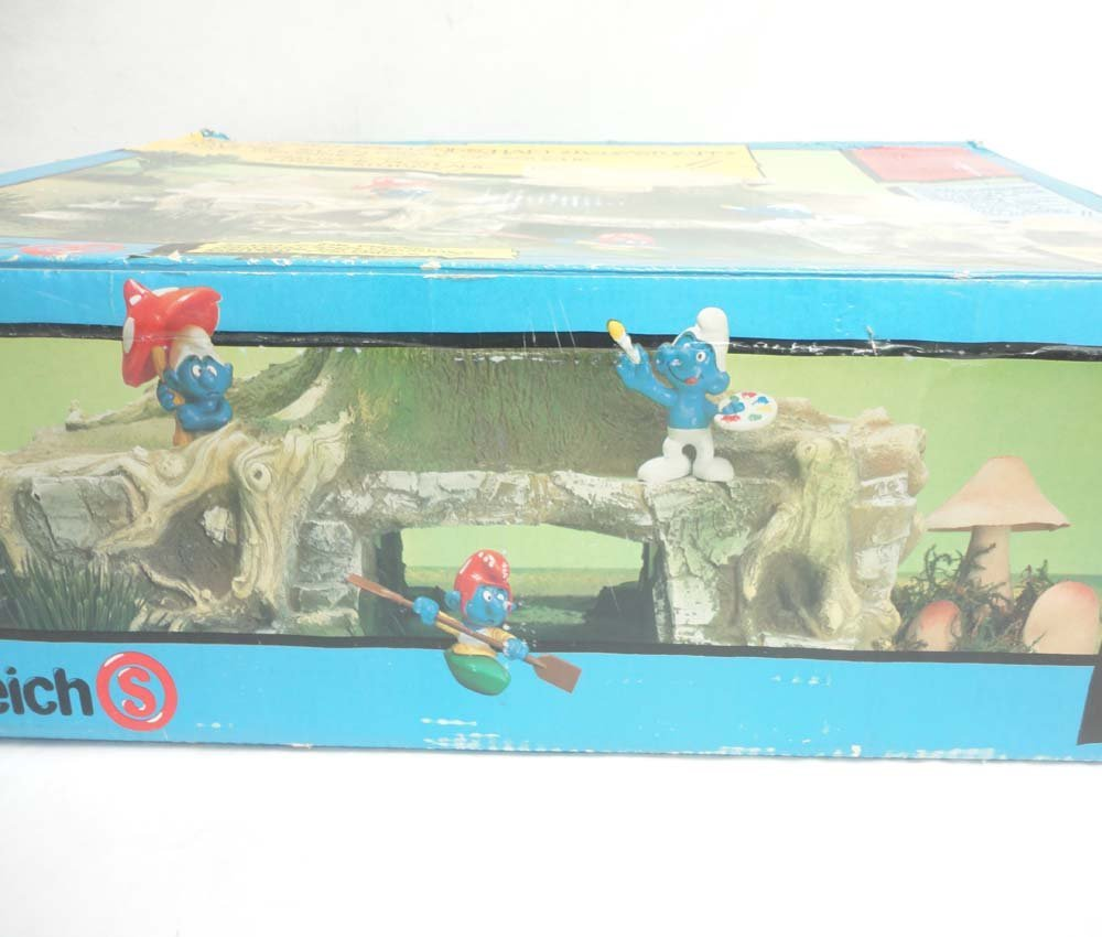 ABT: Schleich Smurf Figurine Playland Tree Stump/OB - 9