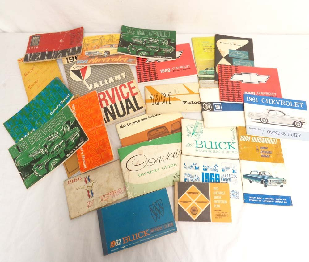 ABT: 22 Assorted Vintage Automobile Manuals
