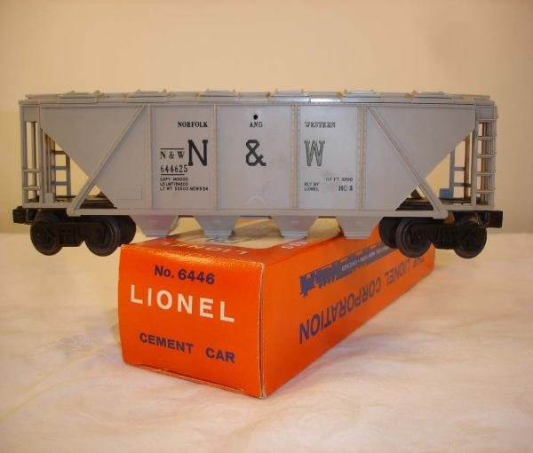 199: ABT: Mint Lionel #6446 Gray N&W 1963 Covered Hoppe