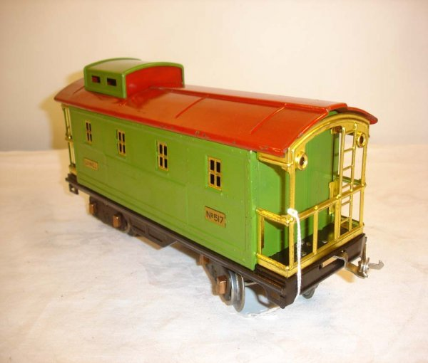 24: ABT: Nice Lionel #517 Pea Green/Red Caboose