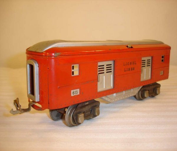 23: ABT: Scarce Lionel #615 Red/Silver Baggage Car