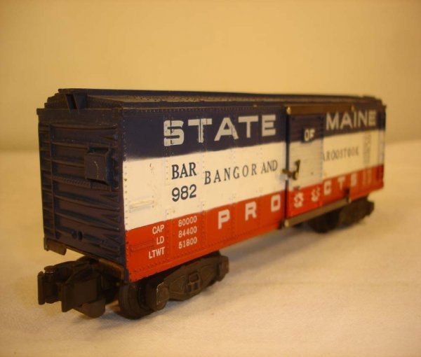 2: ABT: Nice AF #982 State of Maine Box Car