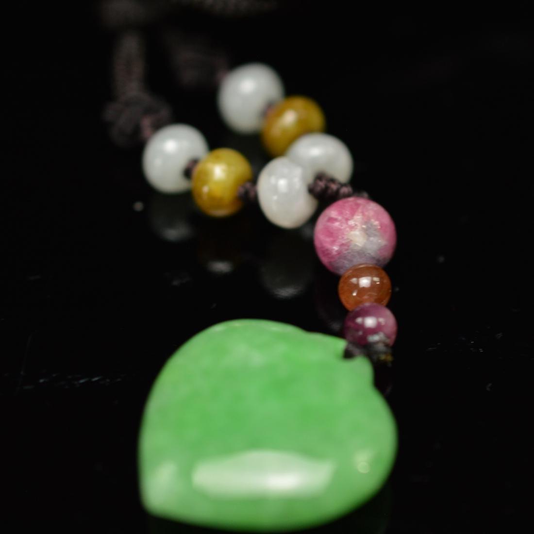 Green jadeite pendant - 2
