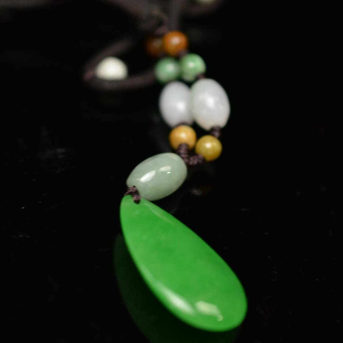 Green jadeite pendant - 3