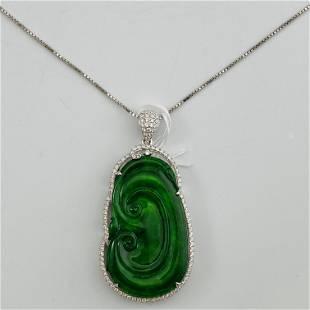 18K Gold Diamond Surrounded Natural Green Jadeite Good