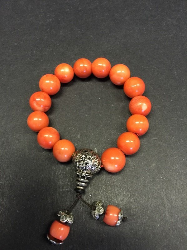 A Fine Beautiful Coral Beads Bracelet