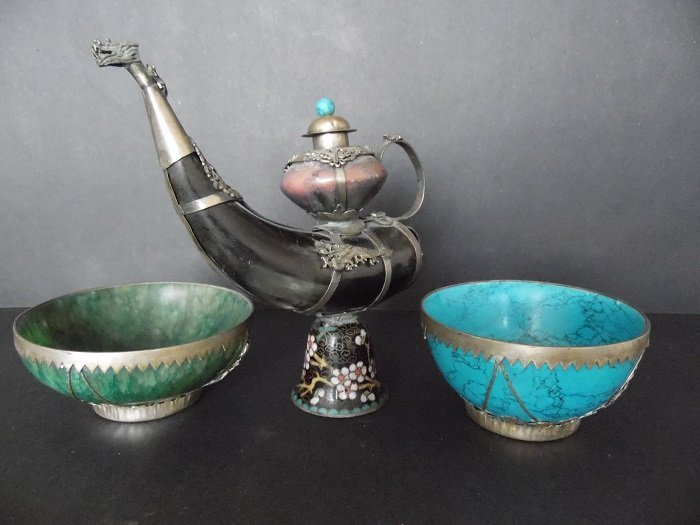 Horn Tea Pot Mounted Silver Dragon and Two Bowls