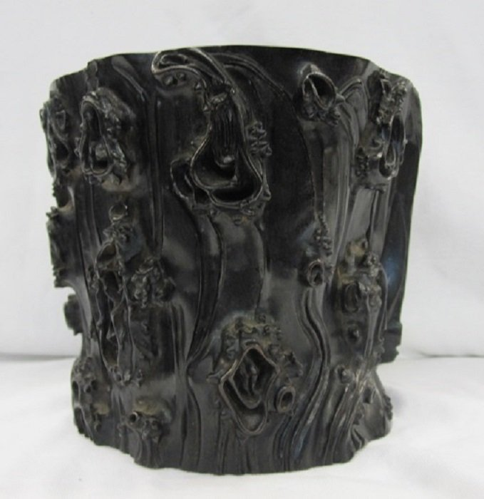 A Vintage Finely Carved Zitan Brush Pot With Shape