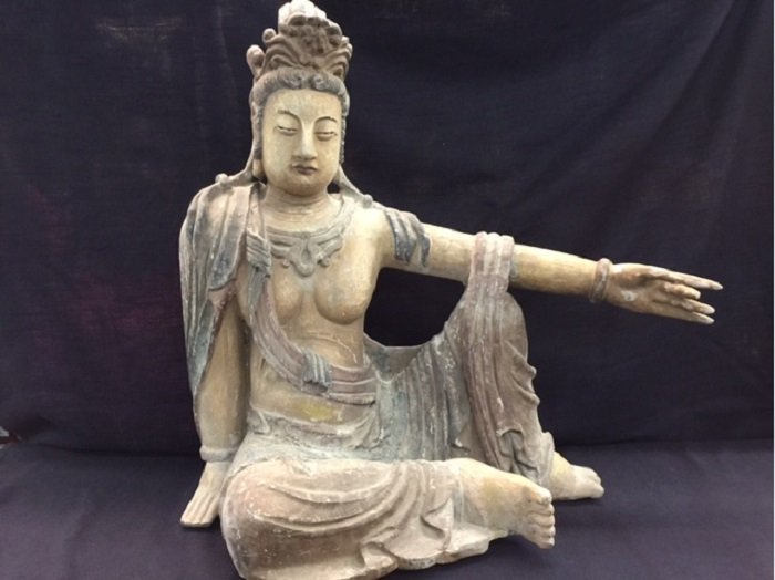 Antique Wood Carrved Song Dynasty Polychrome Guan-Yin