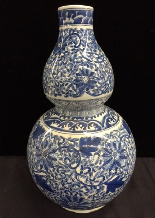 Ming Style Gourd Shape Blue And White Porcelain Vase