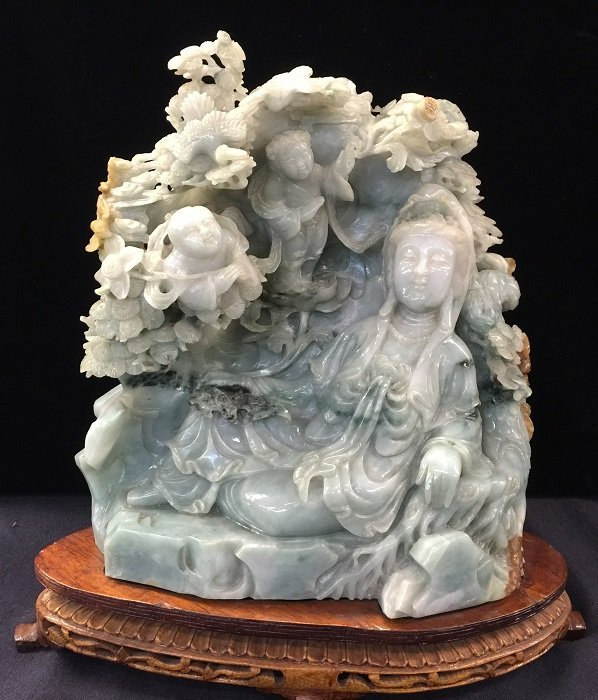 Finely Antique Jadeite Carved Guan Yin With Luckily