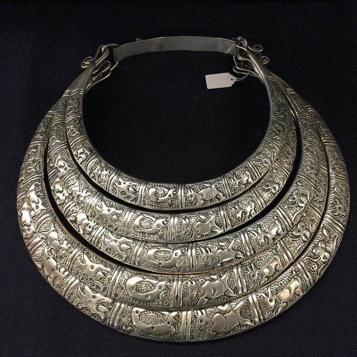 Vintage Silver Overlapping Necklace With Carved Chinese