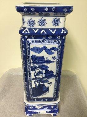 18 C. Export Blue And White Chinese Poecelain Vase