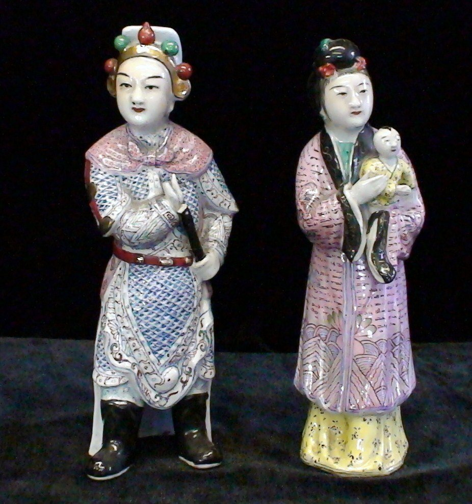 Two Pieces Chinese Famille Rose Ceramic Figures