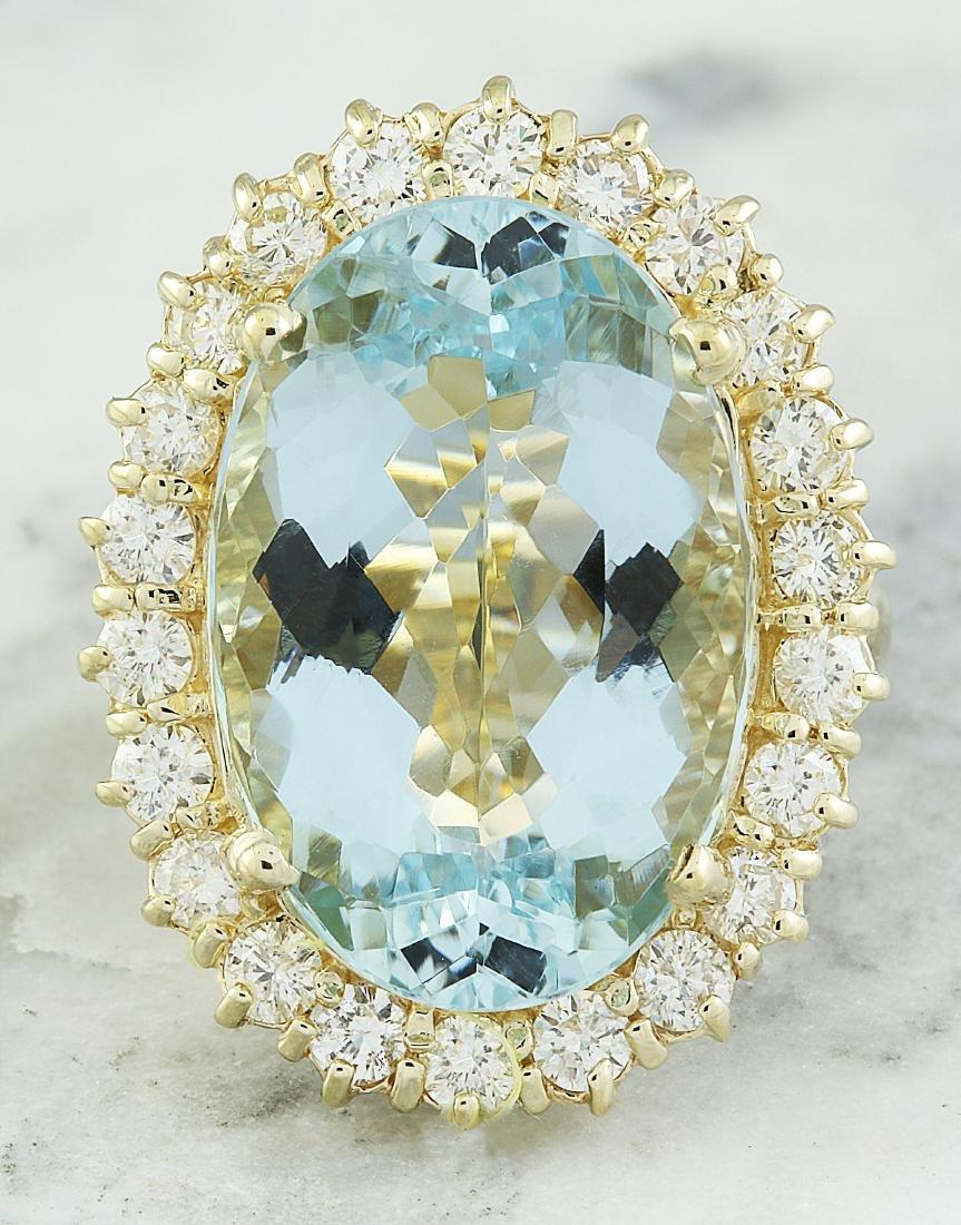14.00 Carat Aquamarine 18K Yellow Gold Diamond Ring