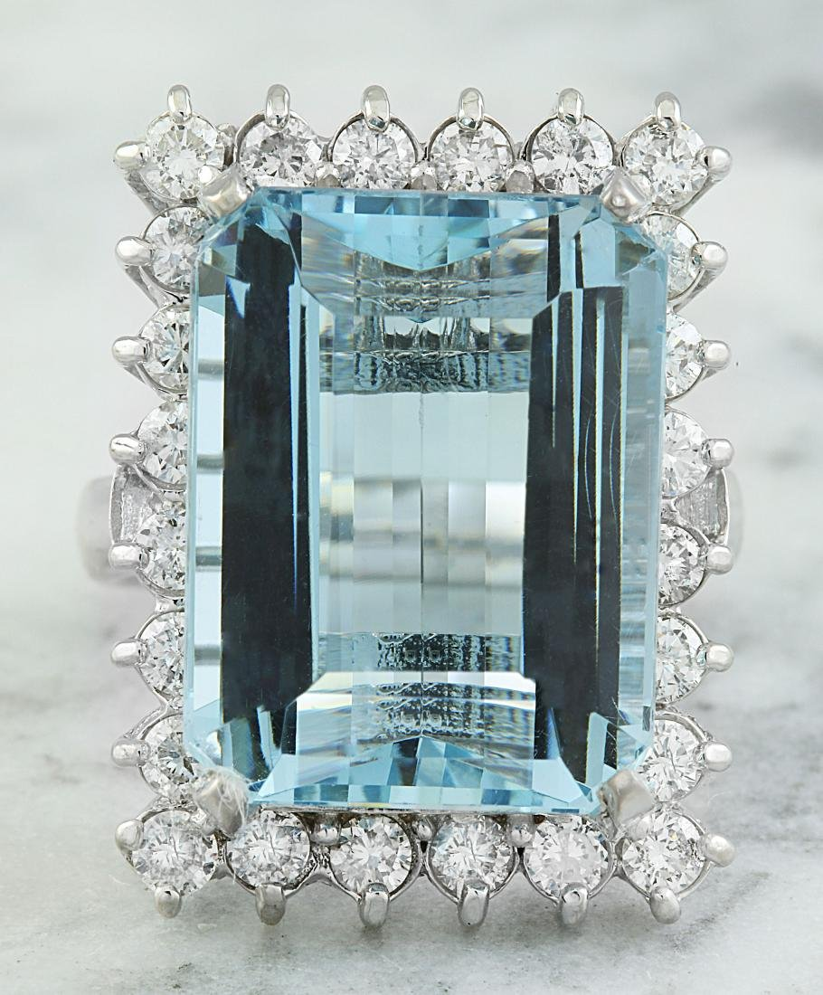 28.80 Carat Aquamarine 18K White Gold Diamond Ring