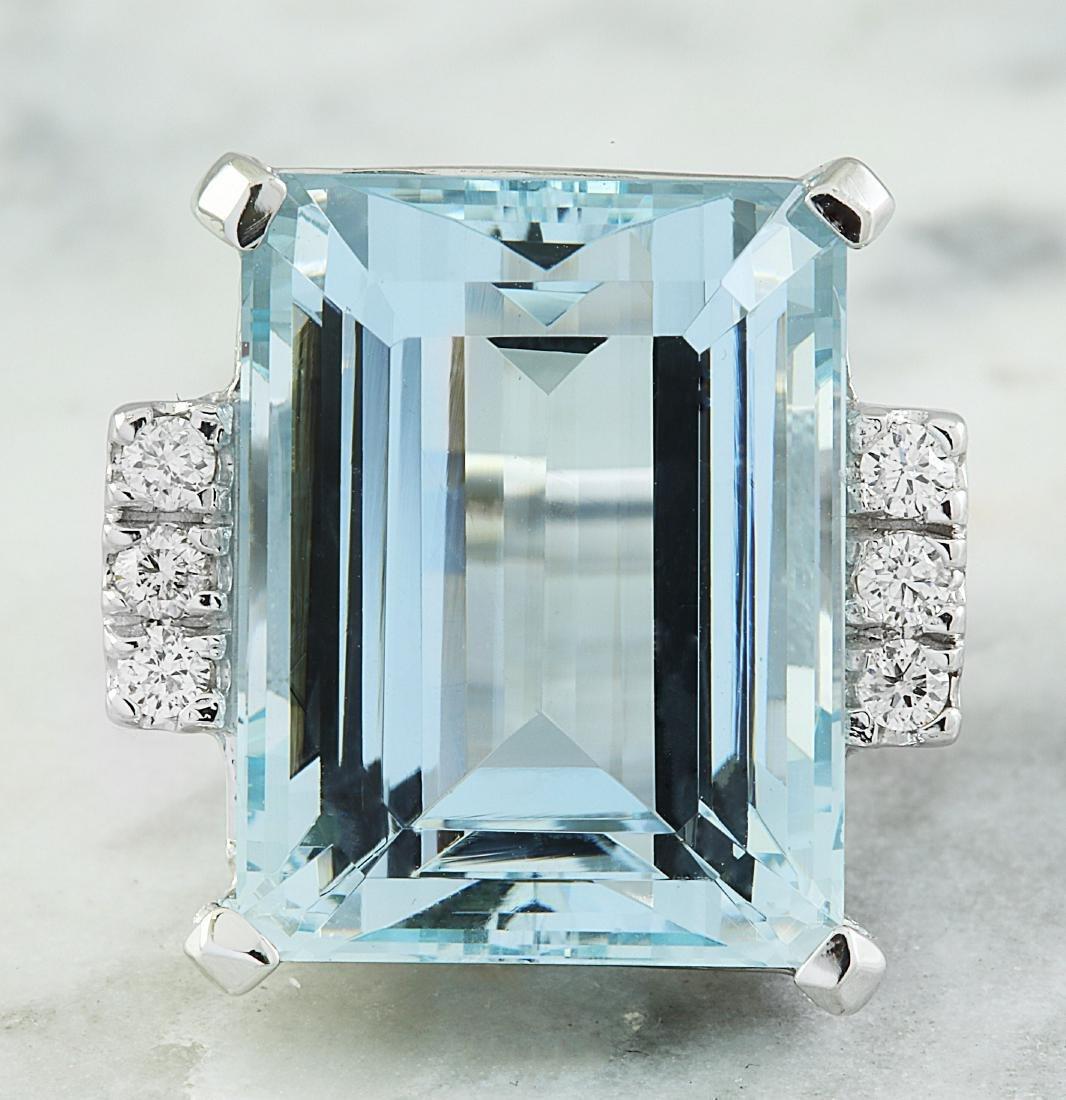 19.61 Carat Aquamarine 18K White Gold Diamond Ring
