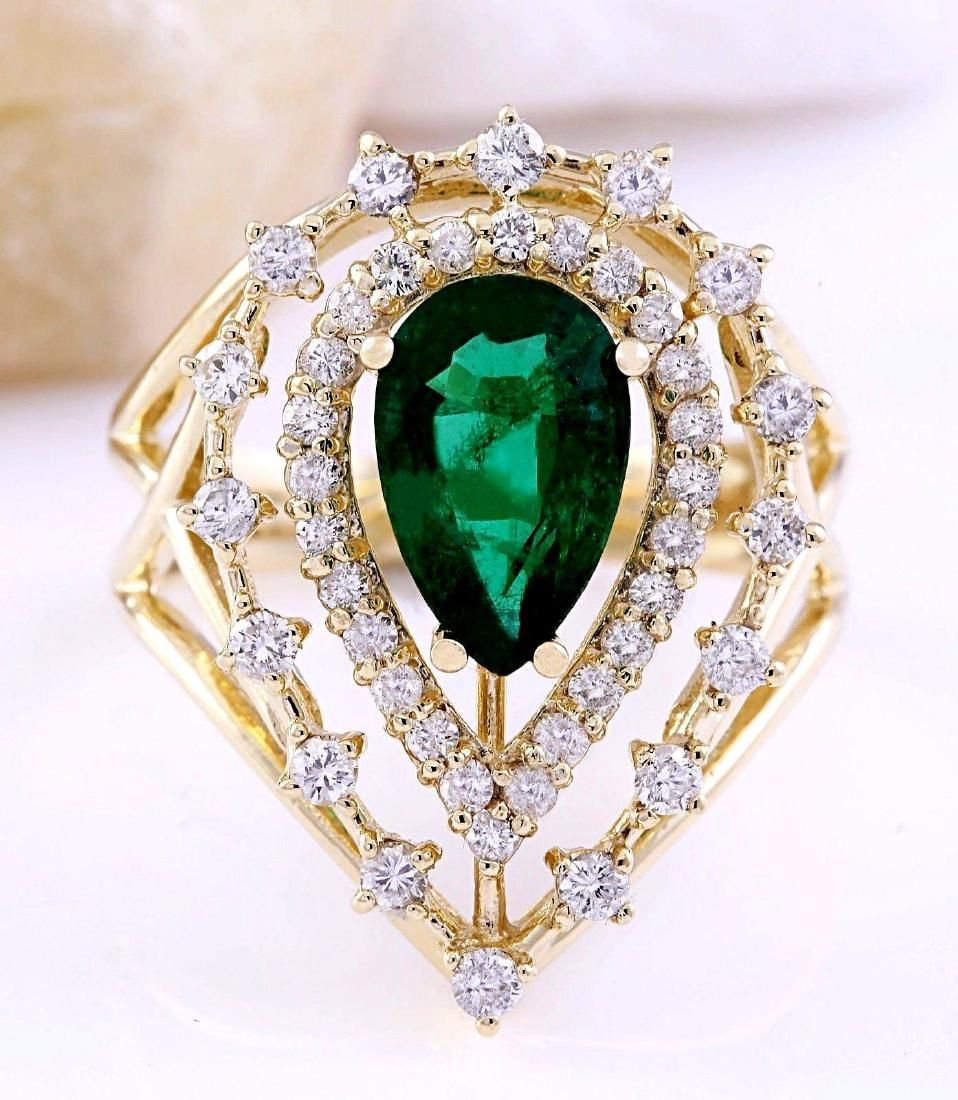2.40 Carat Natural Emerald 18K Solid Yellow Gold