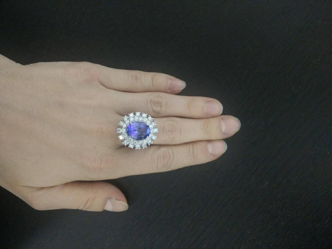 9.00 Carat Tanzanite 18k White Gold Diamond Ring - 5