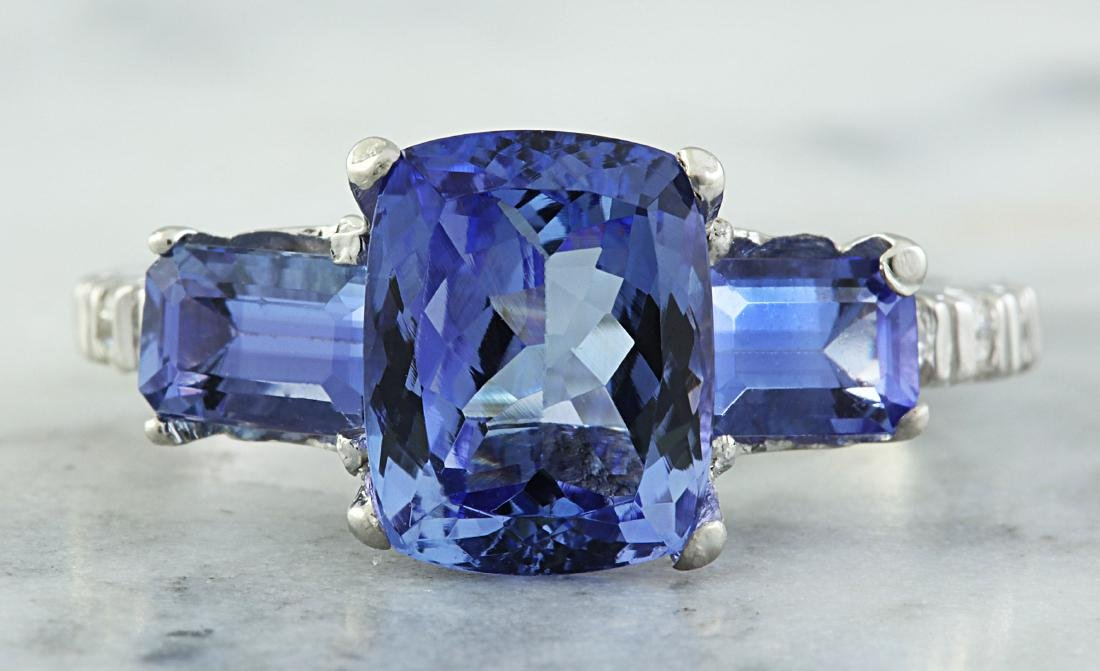 2.87 Carat Tanzanite 18k White Gold Diamond Ring