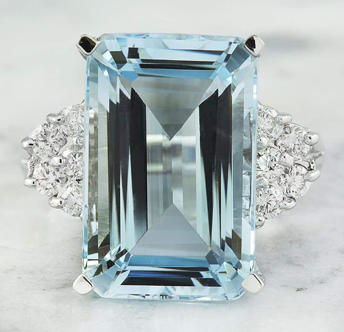 6.15 Carat Aquamarine 18K White Gold Diamond Ring