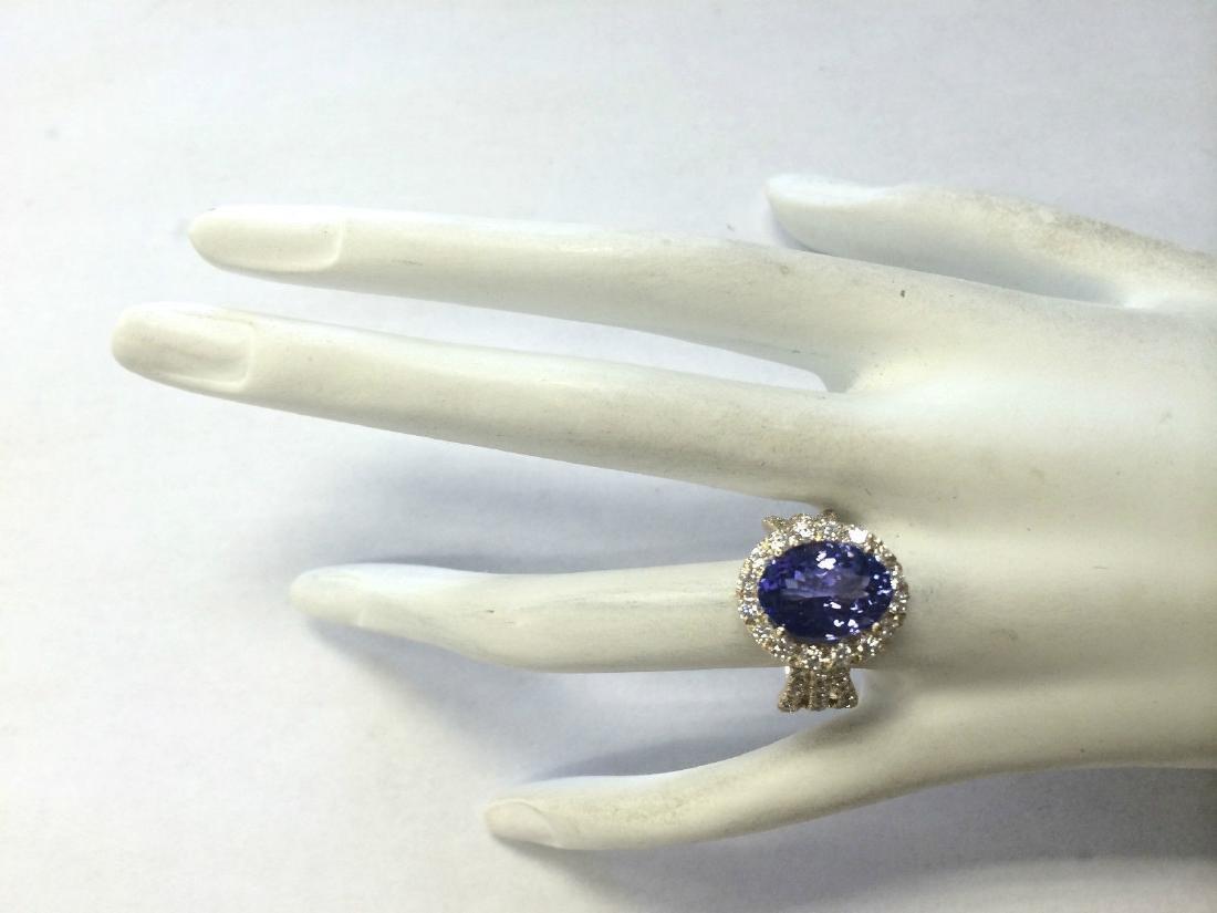 7.18 Carat Natural Tanzanite And Diamond Ring 18K Solid - 4