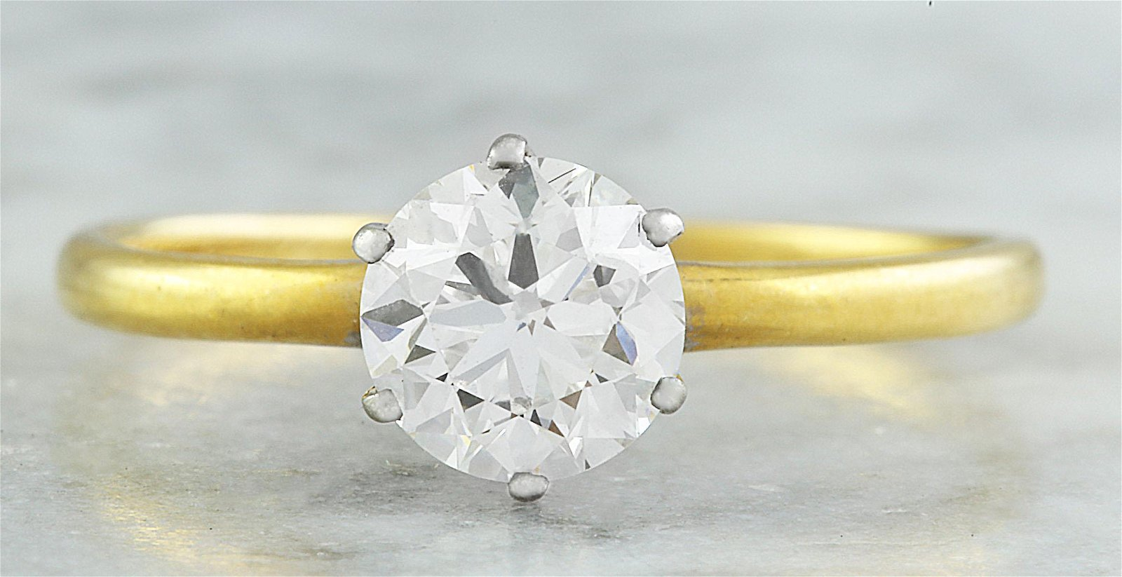 Authentic 0.75 Carat Tiffany&Co 18K Yellow Gold Diamond