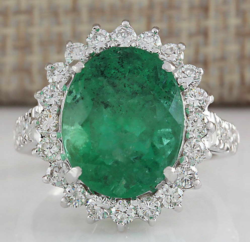 8.93CTW Natural Colombian Emerald And Diamond Ring In