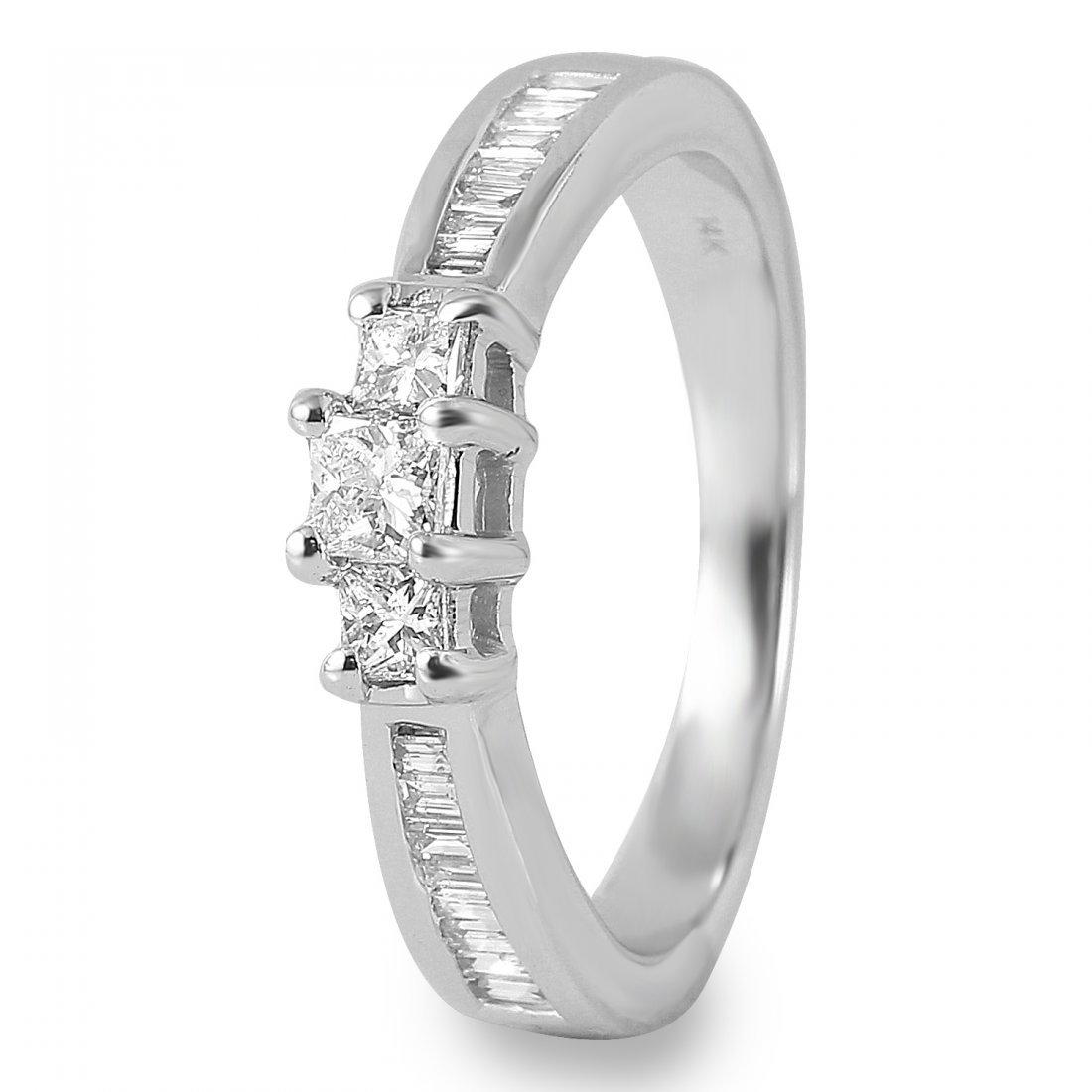 Ladies 0.65CTW Diamond 14K White Gold Ring