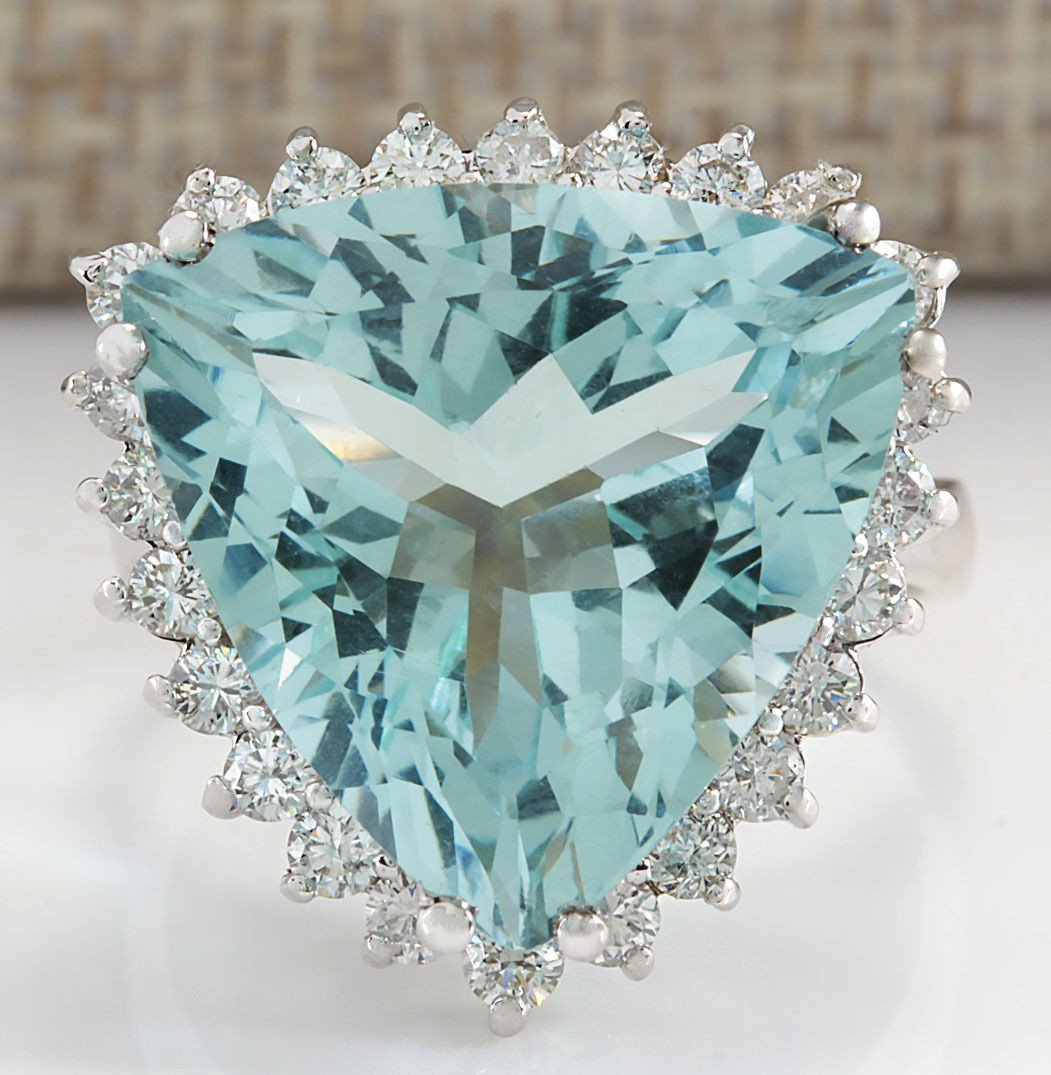 13.62CTW Natural Aquamarine And Diamond Ring In 14K