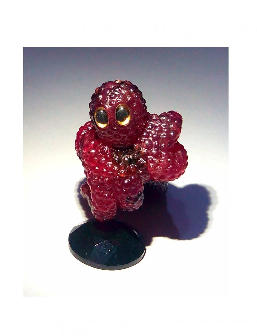 Ruby Octopus hand-carved by Michael Peuster
