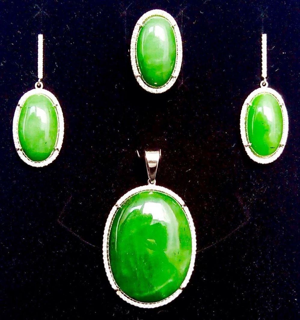 GRS certified Nephrite Jade set