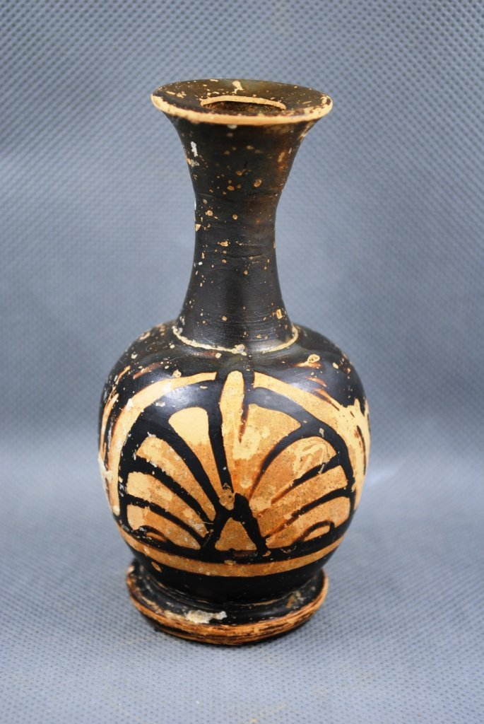 Greek South Italic Lekythos with Palmette Red Figure