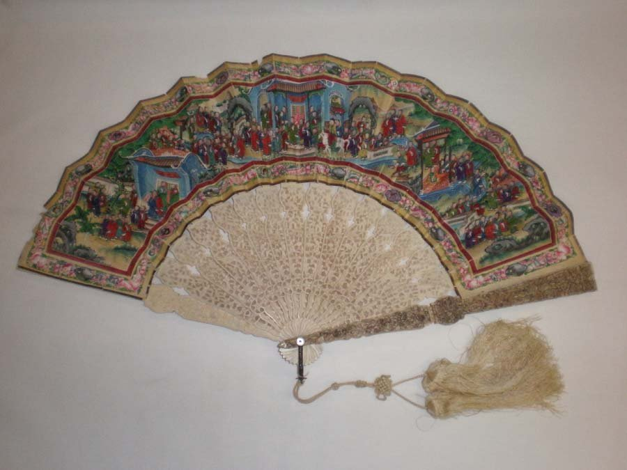 QING - THE COLOUR IVORY FAN