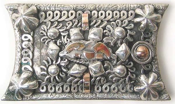 1001: Vintage Sterling Gold Brooch Rare