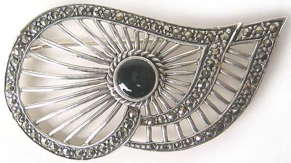 1002: Vintage Sterling Silver Brooche