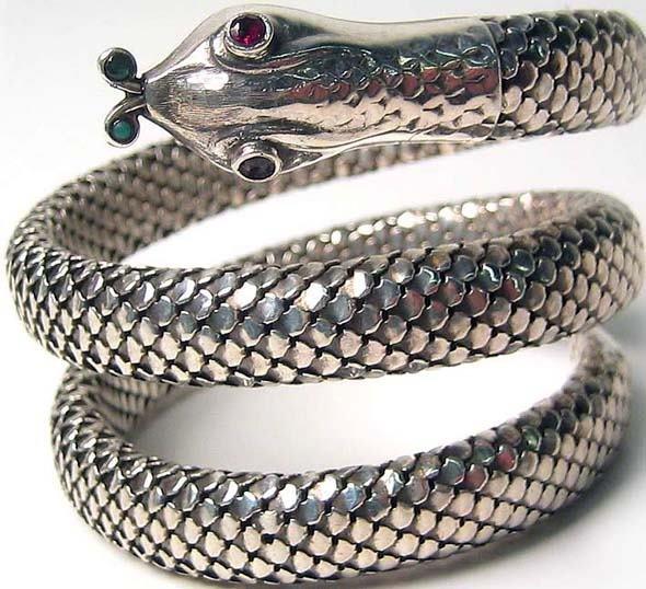 1006: Vintage Sterling Bracelet Emerald Ruby