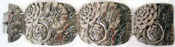 1007: Antique Sterling Silver Bracelest